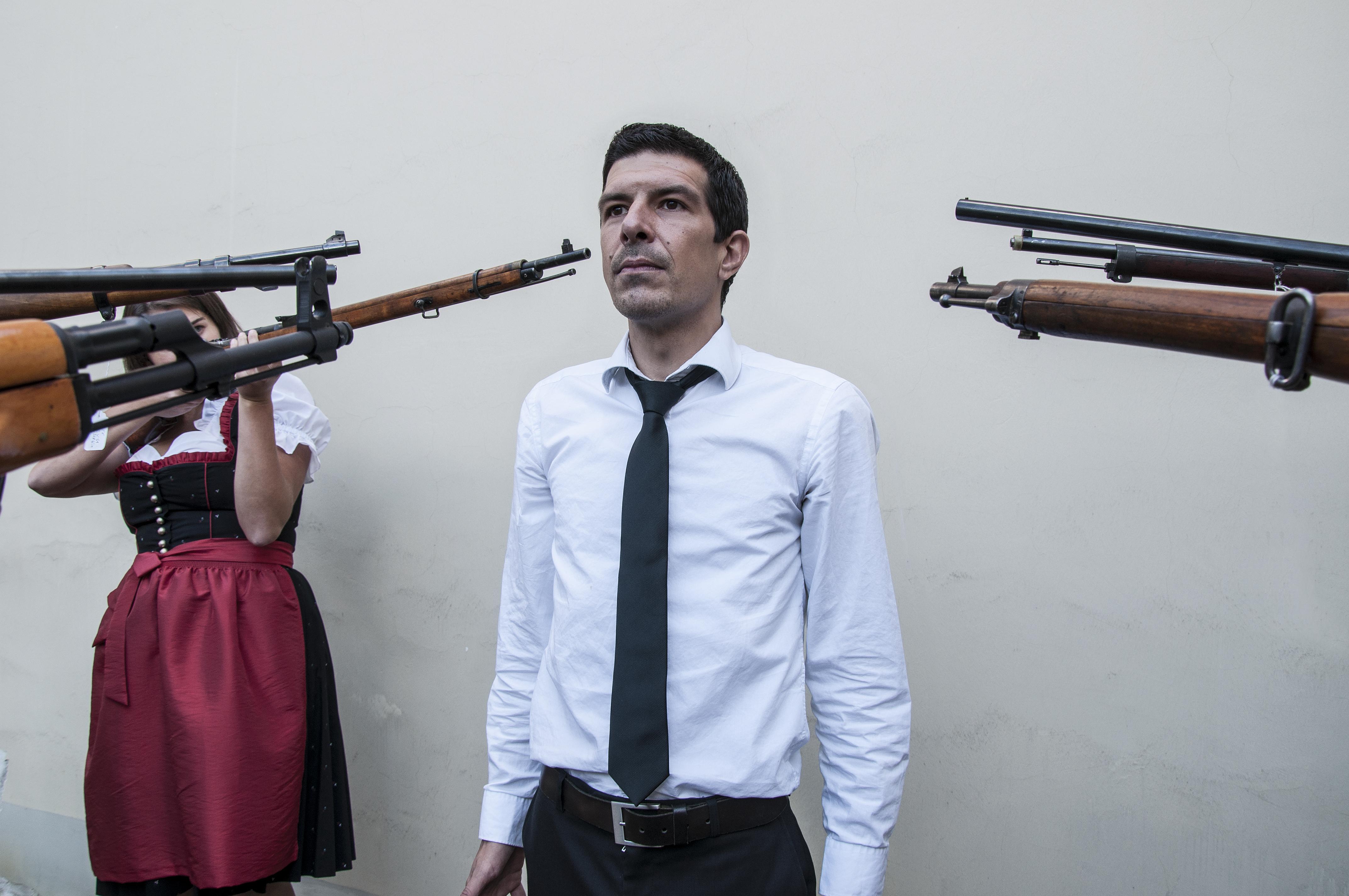 Rahman Hak-Hagir - ARTIST SHOT 2013